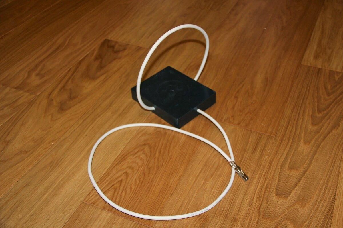 Дециметровые антенны для телевидения. самодельная дециметровая антенна «волновой канал» из металлопласта