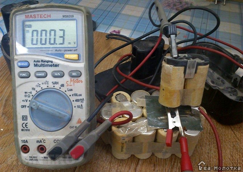 Ремонт шуруповерта: проверка и замена банок для аккумулятора