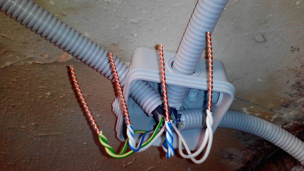 Как нарастить провода в розетке своими руками