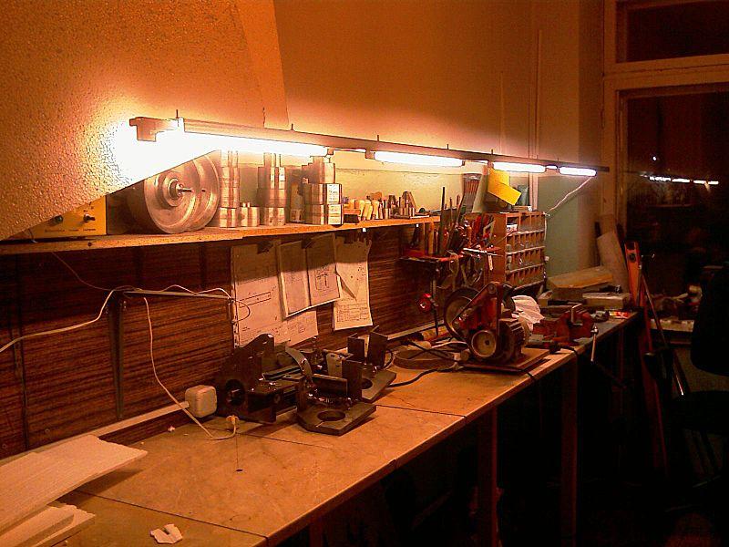 Как выполнить освещение в гараже и его разновидности