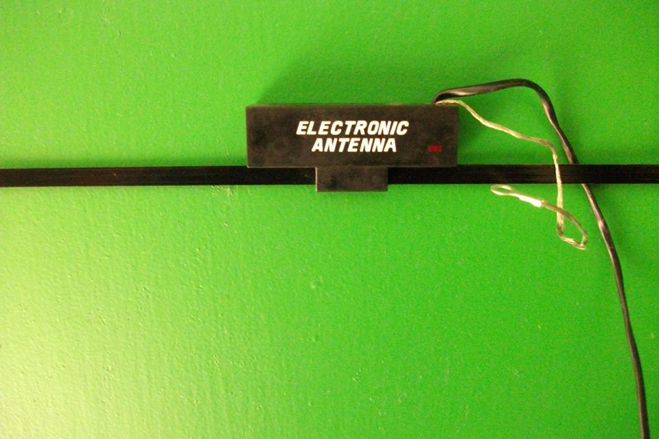 Как правильно подключить (подсоединить) и установить активную антенну к магнитоле в машине