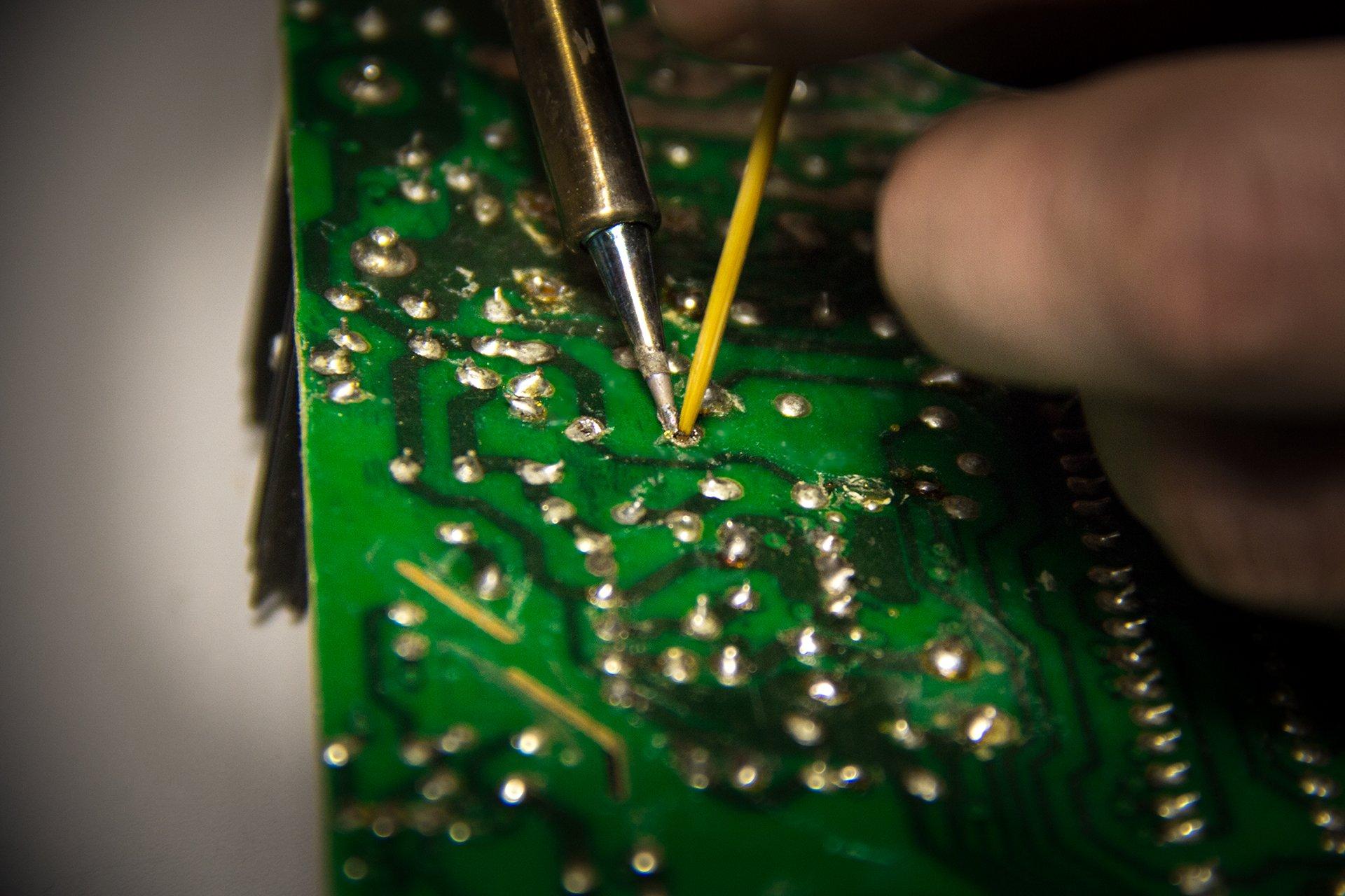 054-выпаиваем smd компоненты.