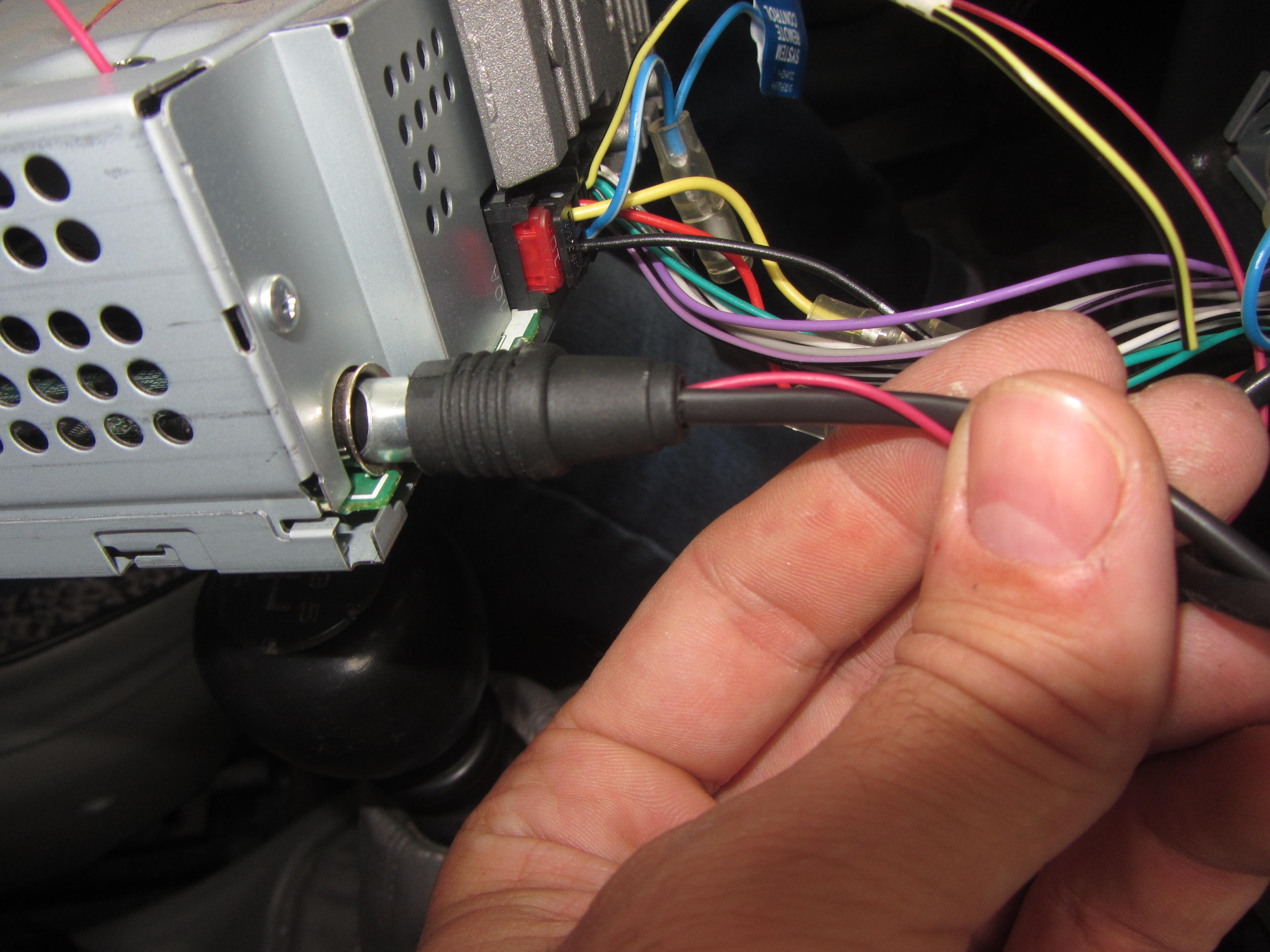 Как выбрать и подключить антенный переходник (штекер) для автомагнитолы