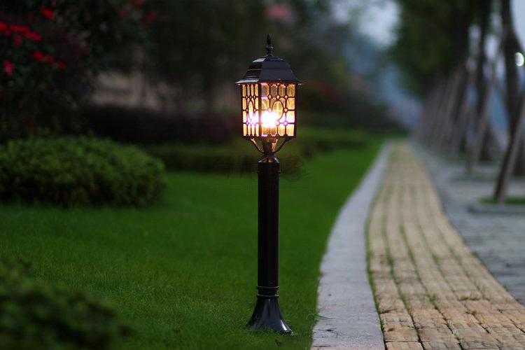 Обслуживание уличного освещения на столбах