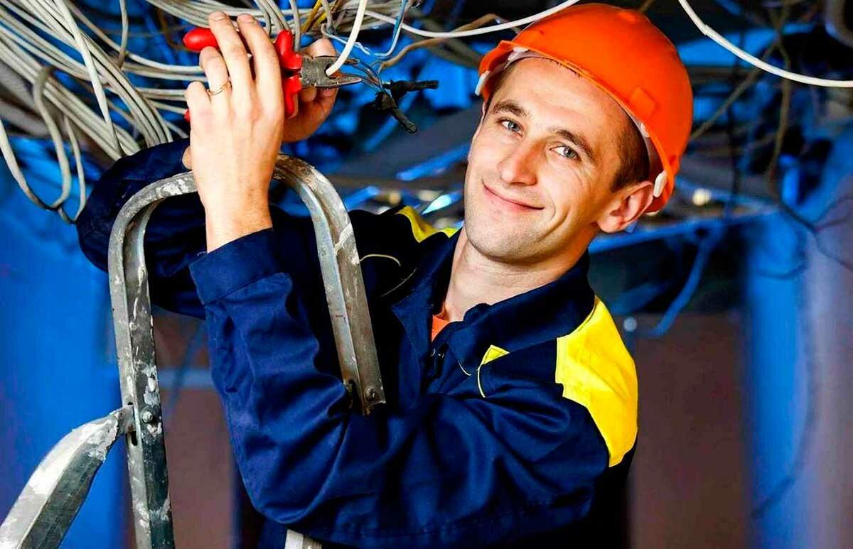 """Колледжи, техникумы и училища москвы, где можно получить профессию """"техник-электрик"""""""
