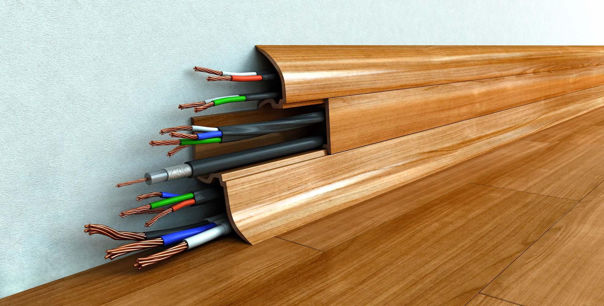 Как спрятать электропроводку в плинтусе и другие провода?