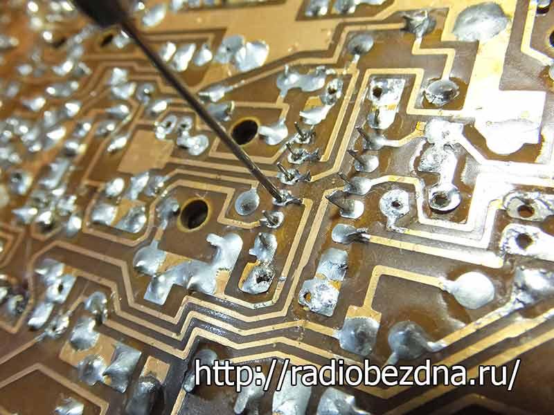 Как выпаять микросхему из двухсторонней платы. учимся безопасно выпаивать радиодетали из плат. как отпаять микросхему феном. технология демонтажа радиодеталей