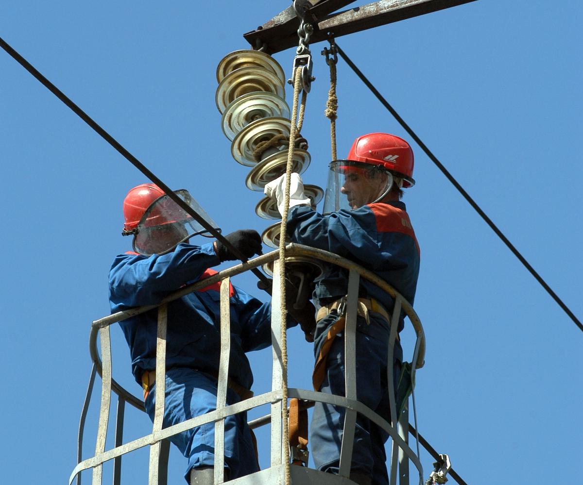 Главное об аварийном отключении электроэнергии: причины, сроки устранения и куда обращаться, если они нарушаются