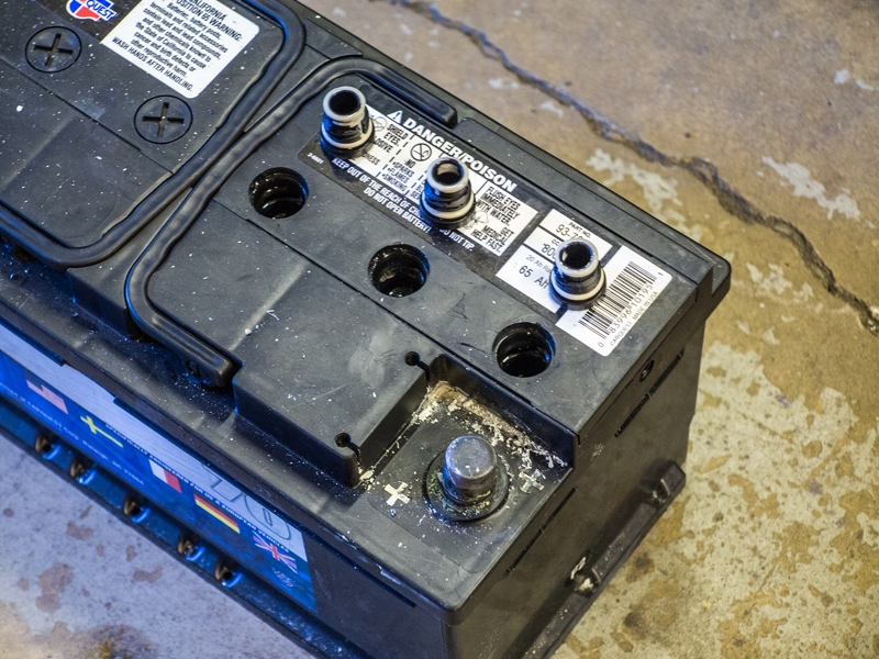 Переполюсовка автомобильного аккумулятора