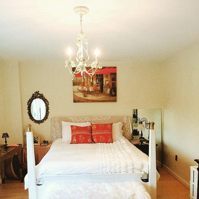 Советы расположения прикроватных бра и светильников в спальной комнате