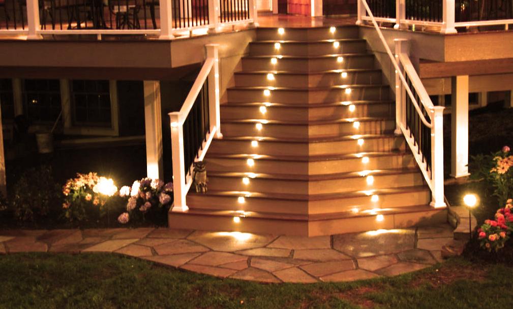 Основные варианты освещения лестницы в доме и критерии выбора (+58 фото)