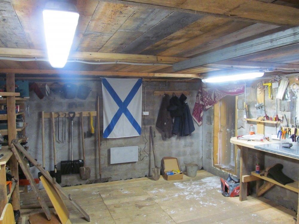 Обзор вариантов правильного освещения в гараже