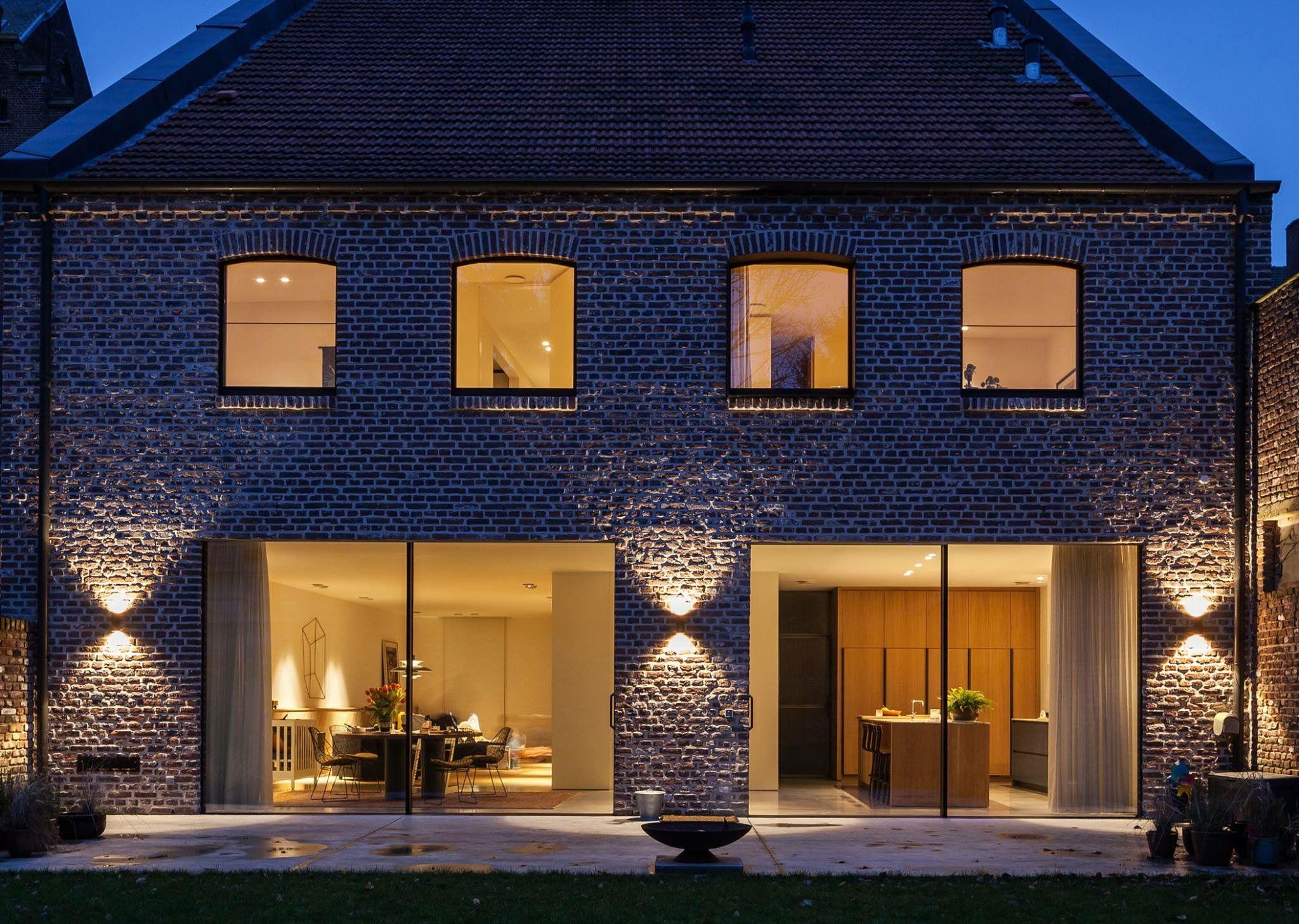 Секреты обустройства архитектурной подсветки фасада зданий