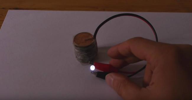 Как сделать зарядное устройство для автомобильного аккумулятора своими руками