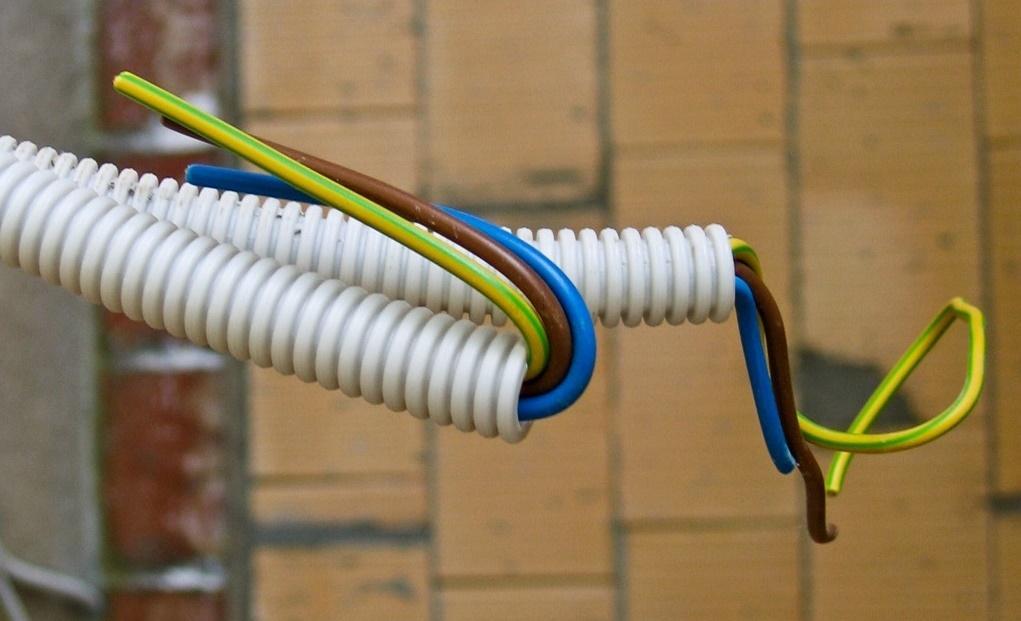 Удлинение интернет кабеля в домашних условиях: переходники и скрутки
