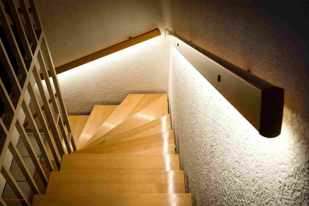 Подсветка ступеней лестницы — разъясняем со всех сторон