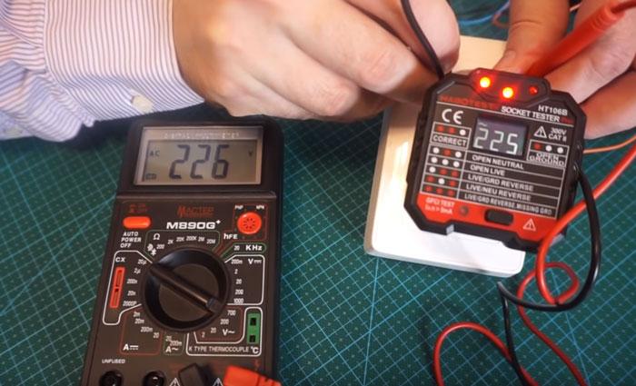 Как проверить напряжение в розетке мультиметром и измерить: разъясняем детально