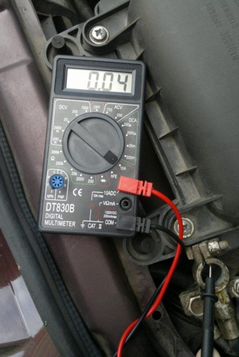 Проверяем аккумулятор автомобиля