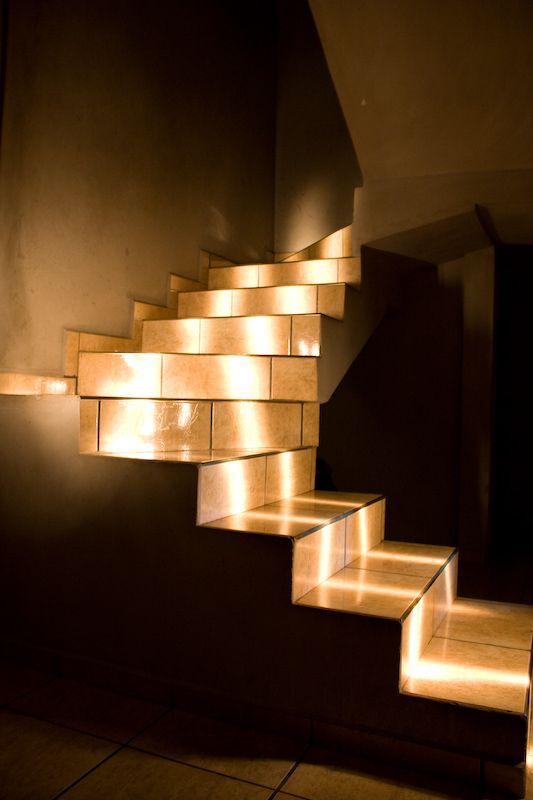 Подсветка лестницы: оригинальные идеи освещения ступеней