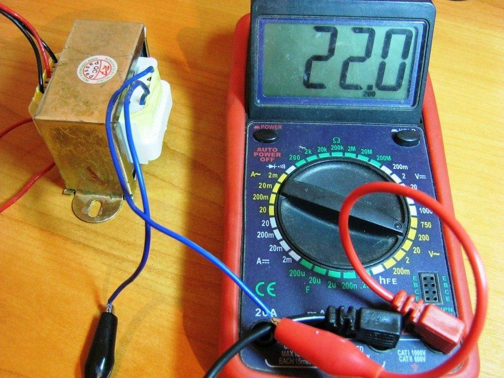 Какой ток в домашней розетке — переменный или постоянный?